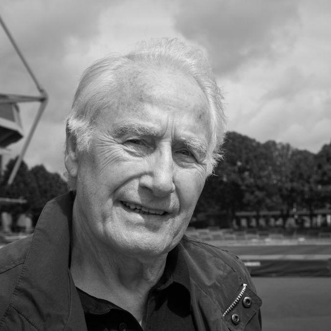 Fußballwelt trauert! BVB-Legende mit 84 Jahren verstorben (Foto)