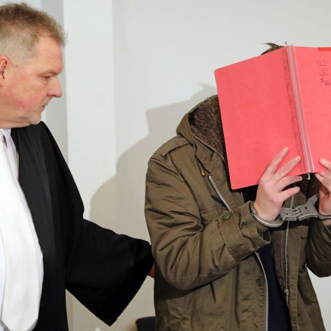 Stiefvater zu lebenslanger Haft verurteilt (Foto)