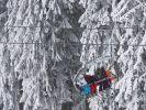 In Winterberg stürzte ein Mädchen aus einem Skilift. (Foto)