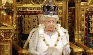 Queen Elizabeth II. hat Meghan Markle und Prinz Harry ihren Megxit-Segen gegeben. (Foto)