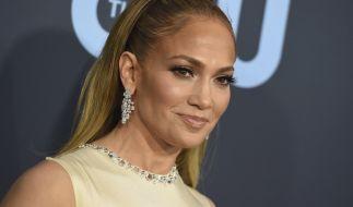 Jennifer Lopez posiert als heiße Motorradbraut. (Foto)