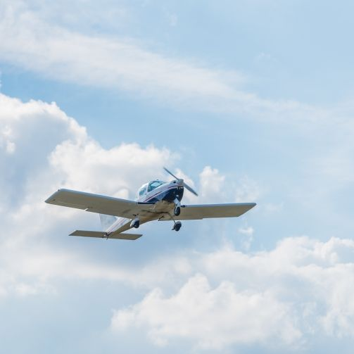 Kleinflugzeug abgestürzt! 2 Tote in Strausberg (Foto)