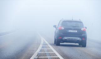 Die neue Woche startet mit starkem Nebel. (Foto)