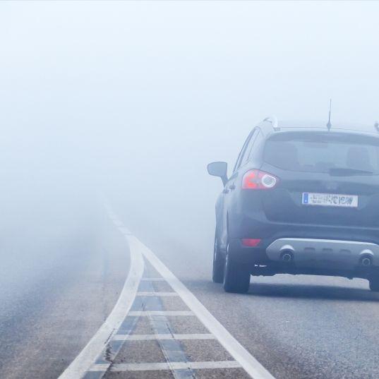 Unwetter-Warnung! HIER behindert dicker Nebel die Sicht (Foto)