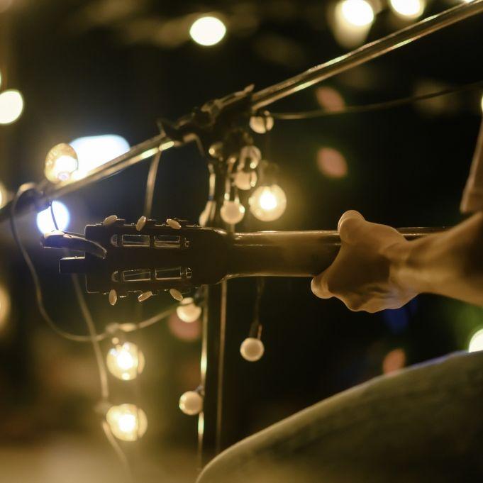 Todes-Drama bei Konzert! Sänger stirbt mitten auf der Bühne (Foto)