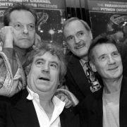 """Fans geschockt! """"Monty Python""""-Star stirbt mit 77 Jahren (Foto)"""