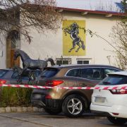 Junge (15) tot, Vater schwer verletzt - Bruder (17) tatverdächtig (Foto)