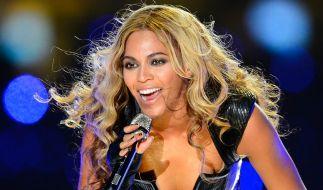 Beyoncé Knowles zeigt sich in einem Kleid das fast zu viel Haut zeigt. (Foto)