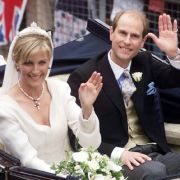 Prinz Edward und Sophie Rhys-Jones, heute bekannt als Gräfin Sophie von Wessex, sind seit 1999 verheiratet.