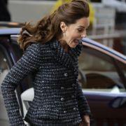 HIER zeigte Herzogin Kate fast ihr Höschen (Foto)