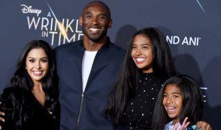 Die Witwe von US-Basketballstar Kobe Bryant hat sich drei Tage nach dem tragischen Hubschrauber-Unglück erstmals öffentlich zu Wort gemeldet. (Foto)
