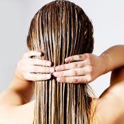 Leberschaden, Allergie und Co.! SO gefährlich sind Haarspülungen (Foto)