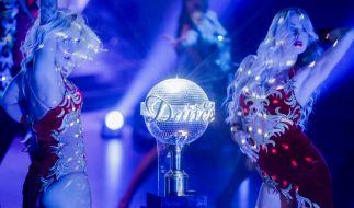 """Auch 2020 tanzen 14 prominente Kandidaten bei """"Let's Dance"""" um die glitzernde Gewinnertrophäe. (Foto)"""