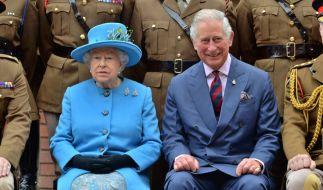 Eines kann die Queen ihrem Sohn Prinz Charles nie verzeihen. (Foto)