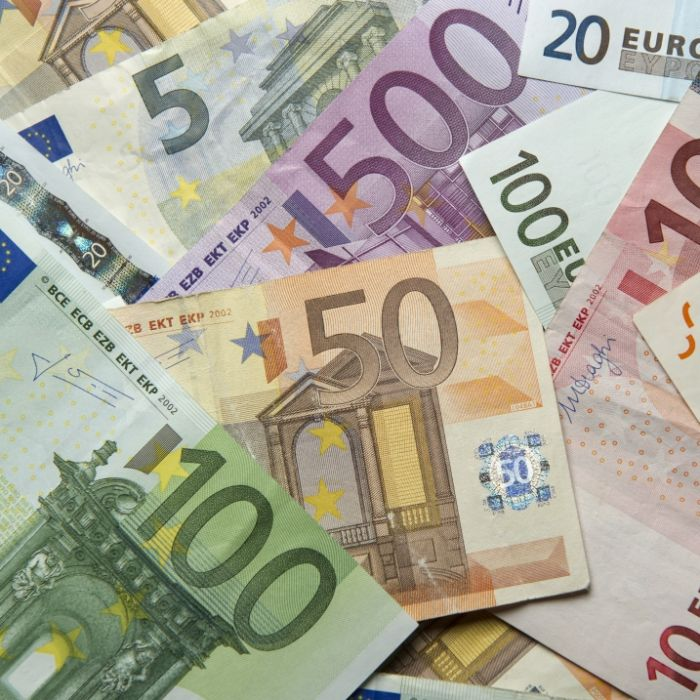 Neuer Preis-Hammer! Strom bis zu 100 Euro teurer (Foto)