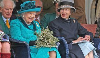 Prinzessin Anne und ihre Mutter QueenElizabeth II. (Foto)
