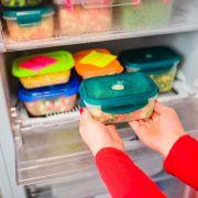 DESHALB sollten Sie Ihr Essen nie in Plastikdosen einfrieren (Foto)