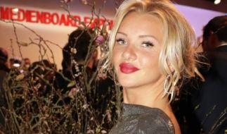Evelyn Burdecki begeistert ihre Fans mit ihren sexy Kurven. (Foto)