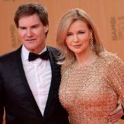 Schauspielerin Veronica Ferres steht ihrem Mann, Unternehmer Carsten Maschmeyer, während der schweren Zeit bei.