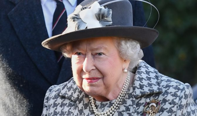 Queen Elizabeth II. traurig