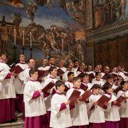 """So sehen Sie die Wiederholung von """"Clark und das große Konzert in der Sixtinischen Kapelle"""" online und im TV (Foto)"""