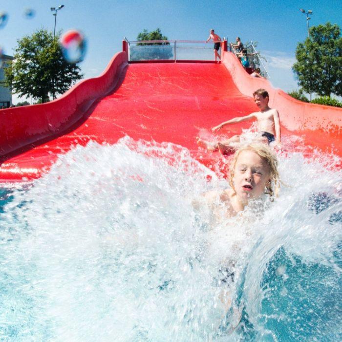 Junge (3) stirbt im Spaßbad auf Wasserrutsche (Foto)