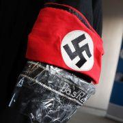 Viertklässler schockt mit Nazi-Kostüm bei Karnevalsfete (Foto)