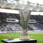 Wolfsburg und Leverkusen im Achtelfinale (Foto)