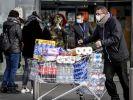 Die Sorge um das Coronavirus befeuert auch Hamsterkäufe. (Foto)
