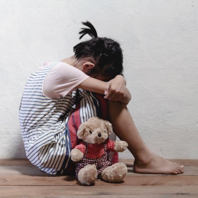 Mädchen (5) von Nachbarsjungen vergewaltigt - Not-OP! (Foto)