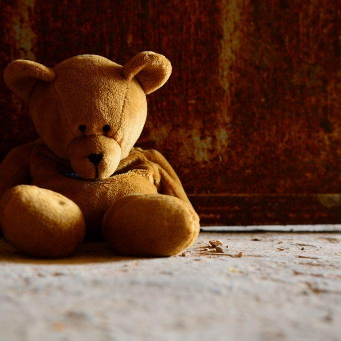 Horror-Mutter tötet Baby (2 Monate) (Foto)