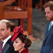 Royale Eskalation! Nicht mal Kates Friedensgeste konnte DA noch helfen (Foto)