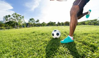 Ein 22-jähriger Fußballer der nigerianischen Liga ist bei einem Spiel kollabiert und gestorben (Symbolbild). (Foto)