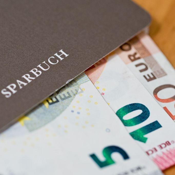 Ab 5.000 Euro! So hart bitten Banken ihre Kunden zur Kasse (Foto)