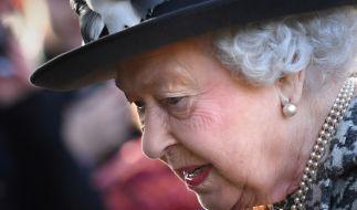 Queen Elizabeth II. soll unter den nicht abreißen wollenden Skandalen im Königshaus leiden. (Foto)