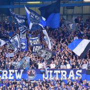 Fans von Arminia Bielefeld zeigen ihrem Verein vollen Einsatz. (Symbolbild) (Foto)
