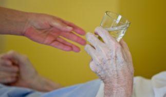 Ältere Menschen und Patienten mit Vorerkrankungen sind durch das Coronavirus besonders gefährdet. (Foto)