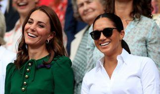 Sowohl Kate Middleton als auch Meghan Markle haben ein Händchen für Mode - doch wer ist die erfolgreichere Fashion-Influencerin? (Foto)