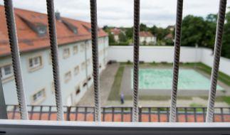 Infolge der Coronakrise könnten Häftlinge früher als geplant aus Gefängnissen entlassen werden. (Foto)