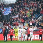 Der Fußballverein Ingolstadt 04 bekommt Unterstützung von seinen Fans. (Symbolbild) (Foto)