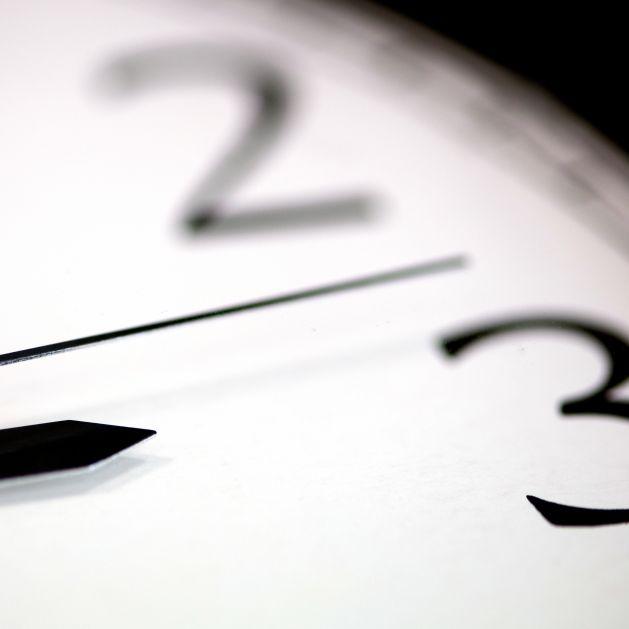 Heute stellen wir die Uhren auf die Sommerzeit um (Foto)