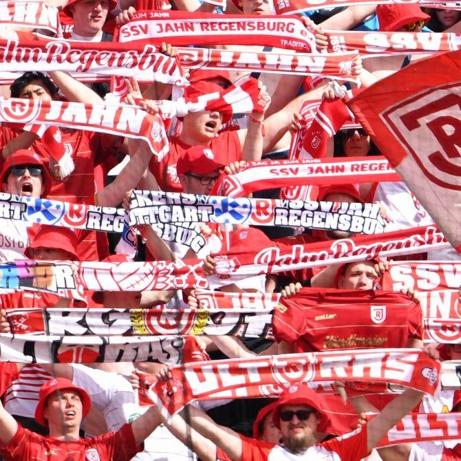 Ein Unentschieden! SSV Jahn Regensburg vs. Hamburger SV (Foto)