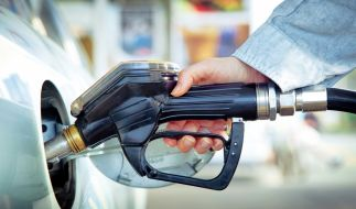 Tankstellen haben weiterhin geöffnet. (Foto)
