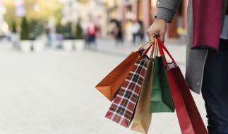 Könnten Geldgeschenke in Form von Konsum-Schecks für die Bürger dabei helfen, die Wirtschaft in der Corona-Krise zu retten? (Foto)