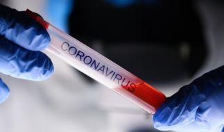 Eine 86-Jährige hat sich vom Coronavirus erholt. (Foto)
