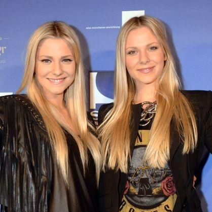 Zwillingsschwestern oben ohne! Hier zeigen sie sich extrem natürlich (Foto)