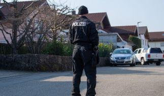 In einem Haus in Vogtareuth wurden die Leichen von einer Mutter und ihren zwei Kindern gefunden. (Foto)