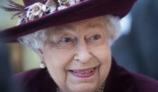 Queen Elizabeth II. füttert ihre Hunde mit billigem Hundefutter von Tesco. (Foto)