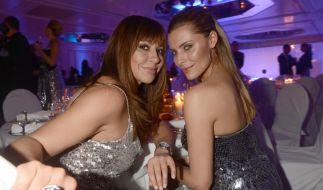Sexy Powerfrauen im Doppelpack: Simone Thomalla und ihre Tochter Sophia Thomalla könnten glatt als Zwillinge durchgehen. (Foto)