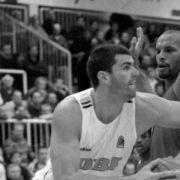 Basketball-Star (49) tot / Corona-Gefahr für junge Menschen / Stefanie Giesinger: Nippelalarm! (Foto)